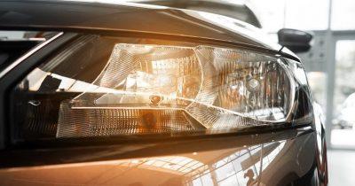 5 Best Halogen Headlight Bulbs To Buy in 2021