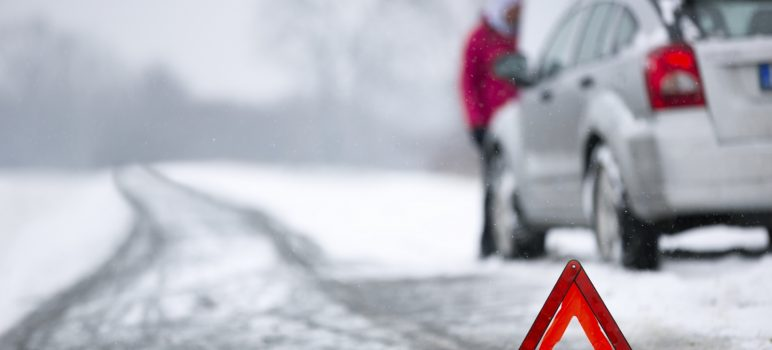11 Most Essential Things to Keep in Your Car During Winter